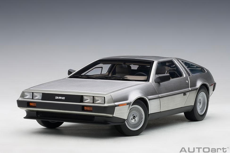 De Lorean DMC 12 Coupe 1981 satin finish Modellauto 1:18 Autoart