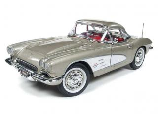 Chevy Corvette 1961 grey-silver  Auto World 1:18 Metallmodell