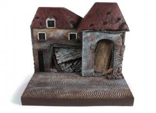"Diorama ""War Torn Building"" Auto World 1:18"