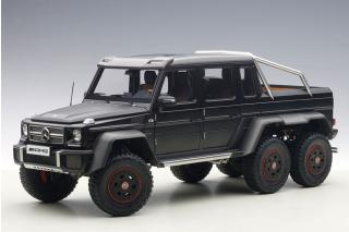 MERCEDES BENZ G63 AMG 6 x 6 (BLACK) 2013 (COMPOSITE MODEL/FULL OPENINGS) AUTOart 1:18