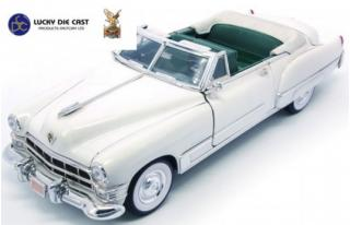 Cadillac Coupe de Ville Convertible weiss 1949 Road Signature 1:18