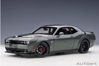 Dodge Challenger SRT Hellcat widebody 2018 (destroyer grey/dual gunmetal center stripes) (composite model/full openings) AUTOart 1:18