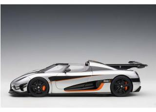 Reissue: KOENIGSEGG ONE : 1 (MOON GREY/CARBON BLACK /ORANGE ACCENTS) 2014 (COMPOSITE MODEL/FULL OPENINGS + REMOVABLE ROOF) AUTOart 1:18
