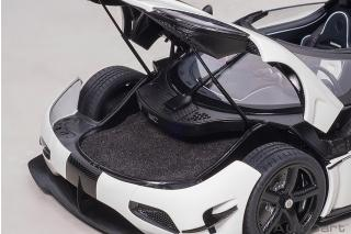 Koenigsegg Agera RS 2015 (white/carbon black/black accents) (composite model/full openings) AUTOart 1:18