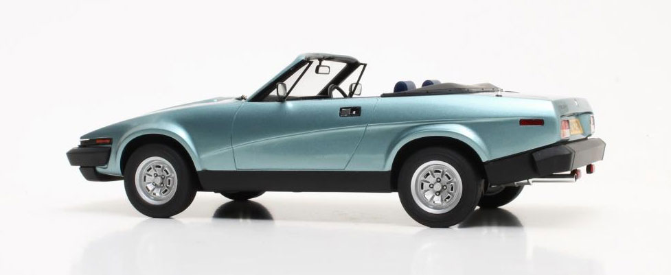 modellauto triumph tr7 dhc blau metallic cult scale. Black Bedroom Furniture Sets. Home Design Ideas