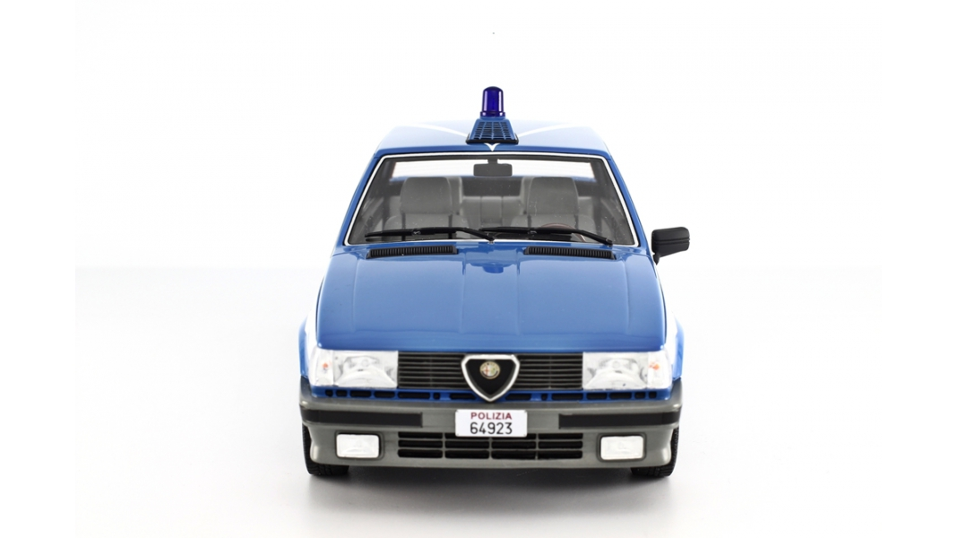 modellauto alfa romeo giulietta polizia laudoracing models 1 18 resinemodell t ren motorhaube. Black Bedroom Furniture Sets. Home Design Ideas