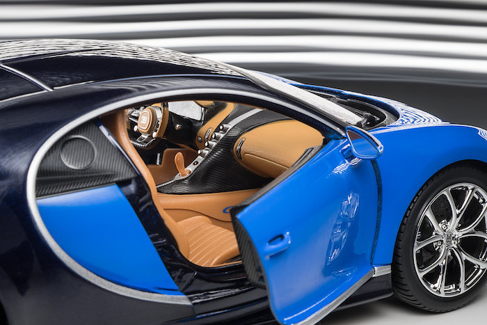 modellauto bugatti chiron 2016 blau dunkelblau burago 1 18 bei. Black Bedroom Furniture Sets. Home Design Ideas